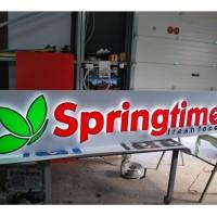 Caseta Springtime on work