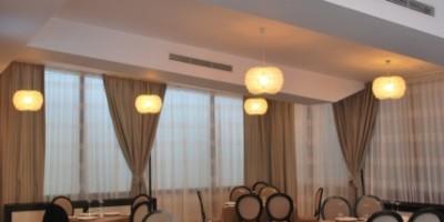3. Pendul Mozart plexi cu bec LED Hotel Epoque Bucuresti