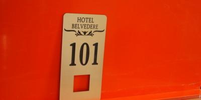 Placute usi hotel cu fanta cititor card