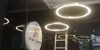 Star Casino Bucuresti pendule inele alama si iluminare LED (1)
