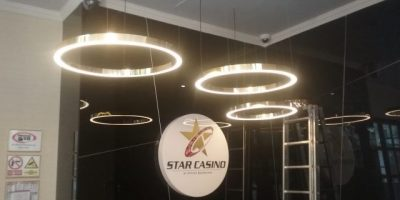 Star Casino Bucuresti pendule inele alama si iluminare LED (2)